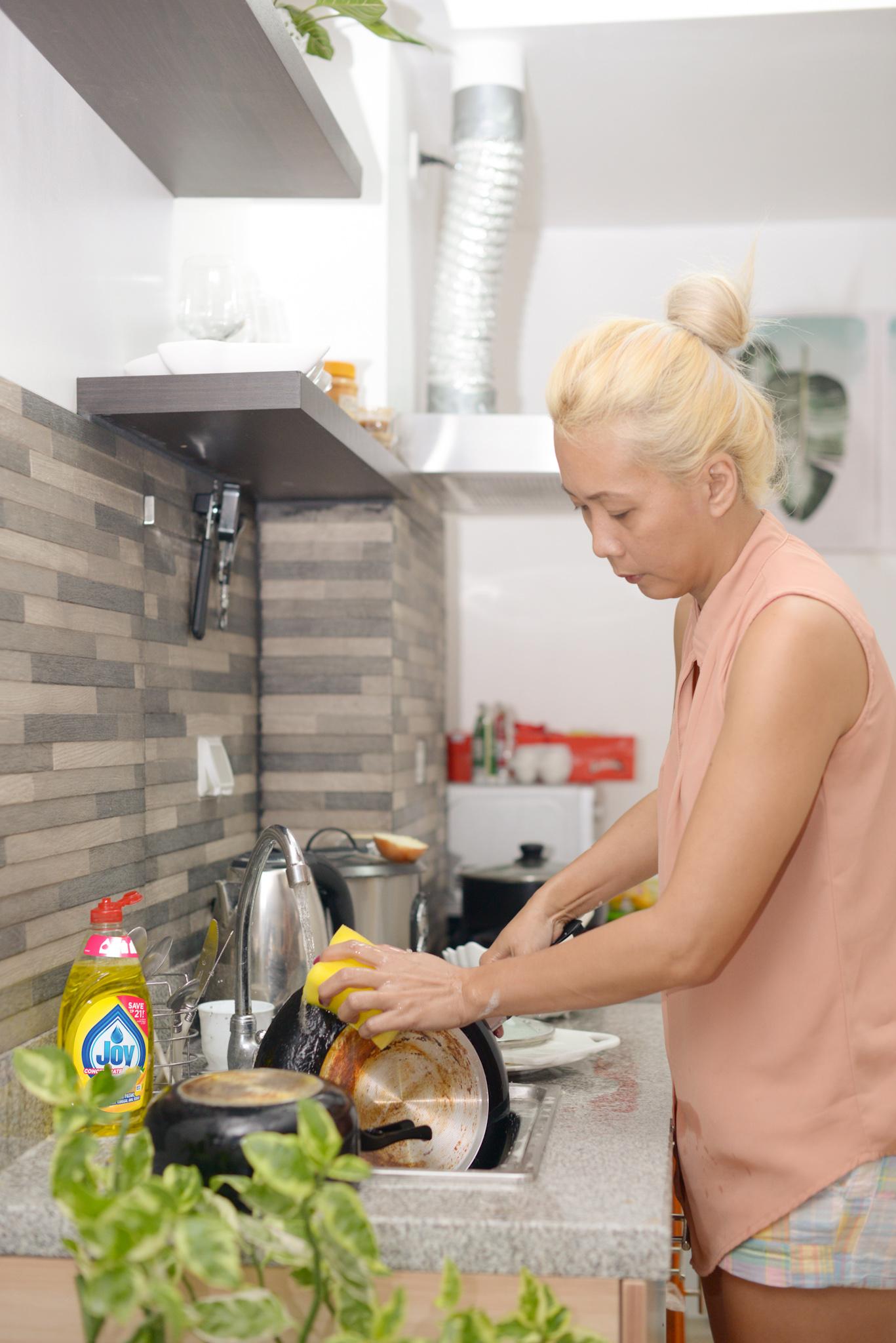 Worry-Free Days with Joy - Easy Kitchen Hacks with Joy Dishwashing Liquid