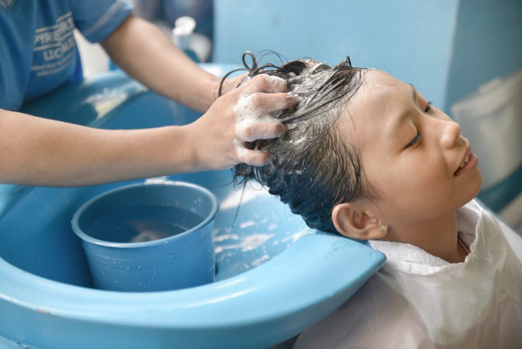 Lamoiyan Corporation's Licealiz Head Lice TreatmentShampoo rolls out Kilusang Kontra Kuto Year 4 - Shampoo